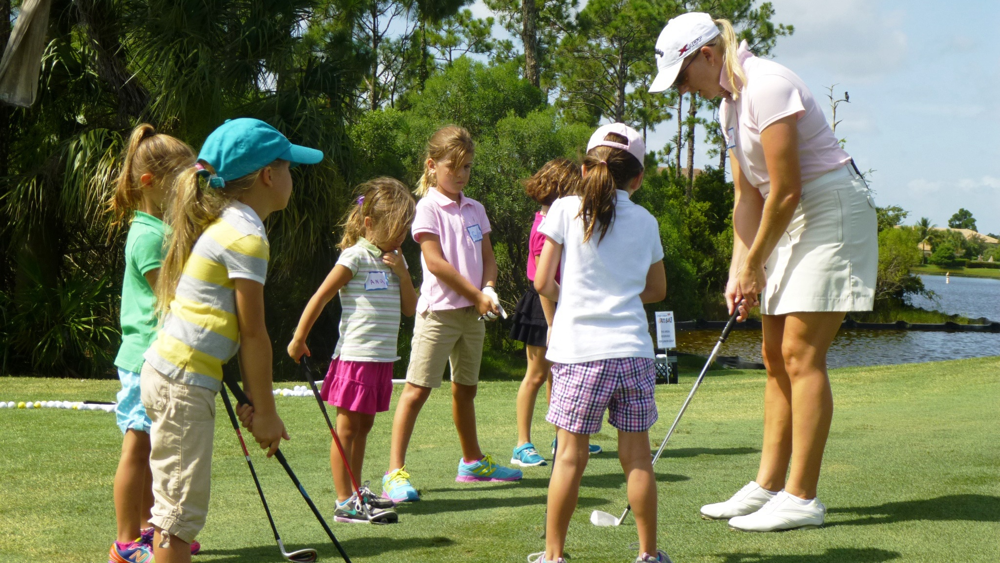 female golfer 3