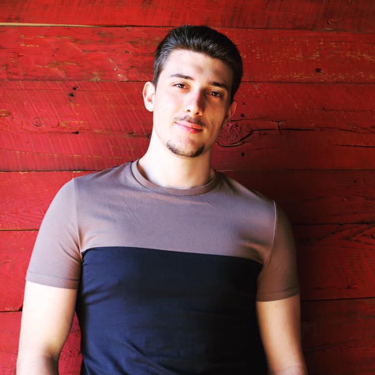 Alexis Tomochouk